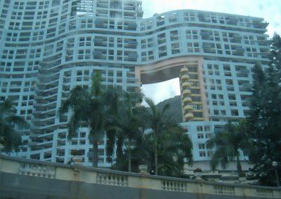 26. Hong Kong, słynny dom z otworem