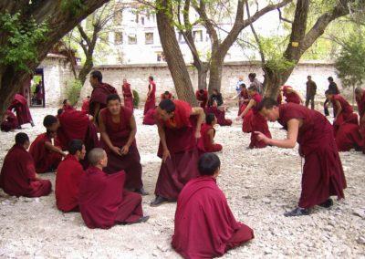47. Tybet, dysputy mnichów