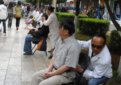 52. Szybki masaż na ulicy
